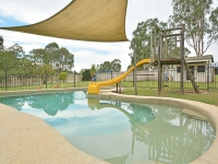 Enchanting: 1 bed, fenced, sleeps 8 in North Rothbury New South Wales