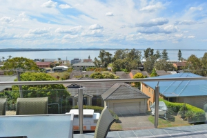 Immense: 7 bed, fenced, sleeps 10 in Nelson Bay NSW
