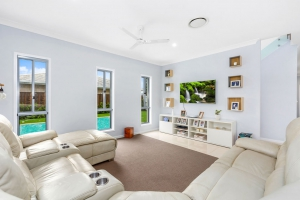 Exclusive: 5 bed, fenced, sleeps 10 in Kingscliff NSW