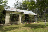 Blissful: 3 bed, fenced, sleeps 4 in Blackwood Victoria