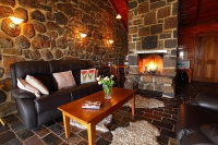 Enchanting Retreat: 1 bed sleeps 4 in Smeaton Victoria