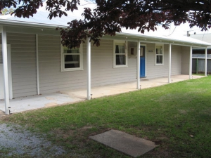 Idyllic: 12 bed, fenced, sleeps 8 in Normanville SA