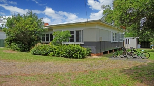 This is it: 4 bed, fenced, sleeps 8 in Culburra Beach NSW