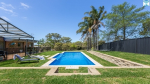Outstanding: 5 bed, fenced, sleeps 11 in Berry NSW