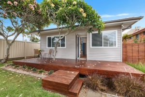 Picturesque: 2 bed, fenced, sleeps 6 in Forster NSW