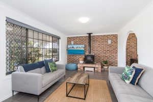 Rest and Relaxation Haven: 4 bed, fenced, sleeps 7 in Forster NSW