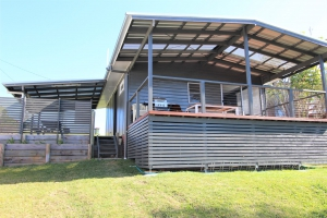 Blissful: 1 bed sleeps 5 in Crowdy Head NSW