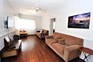 Picturesque: 4 bed, fenced, sleeps 8 in Harrington NSW