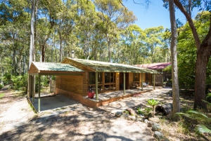 You've found it: 4 bed sleeps 6 in Mystery Bay NSW