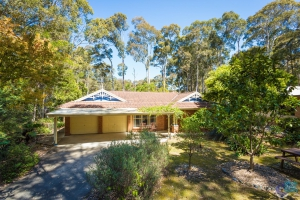 Your retreat for rest and relation: 4 bed sleeps 8 in Mystery Bay NSW