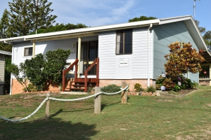 Awesome: 5 bed sleeps 7 in Wooli NSW