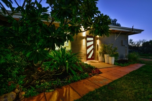 Outstanding 7 bed, fenced, pet friendly holiday home, sleeps 8 in Exmouth WA