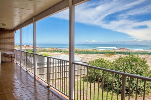 Heavenly Retreat: 4 bed, fenced, sleeps 8 in Anna Bay NSW