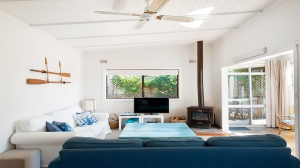 Enchanting Retreat: 3 bed, fenced, sleeps 7 in Corlette NSW