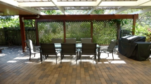 Enchanting Hideaway: 3 bed, fenced, sleeps 7 in Dicky Beach QLD
