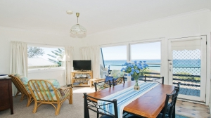 Exclusive: 3 bed sleeps 12 in Callala Beach NSW