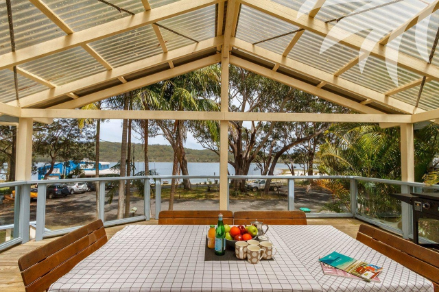 Enchanting Hideaway 4 bed pet friendly holiday acreage, sleeps 8 in Smiths Lake NSW