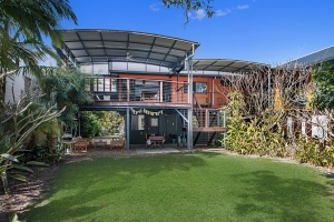 Blissful 2 bed, fenced, pet friendly holiday home, sleeps 5 in Cabarita Beach NSW