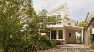 Blissful 4 bed, fenced, pet friendly holiday home, sleeps 6 in Callala Beach NSW