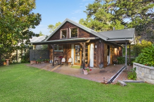 Delightful 1 bed pet friendly holiday home, sleeps 2 in Bilpin NSW