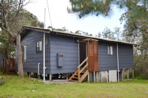 Rest and Relaxation Haven: 2 bed pet friendly holiday home, sleeps 6 in Venus Bay VIC