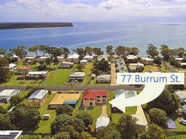 Pet friendly accommodation in Burrum Heads Fraser Coast QLD