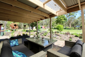 Cosy 1 bed pet friendly holiday home, sleeps 2 in Tomerong NSW