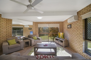 Holiday Hideaway: 3 bed, fenced, pet friendly holiday apartment / townhouse / unit, sleeps 4 in Peregian Beach QLD
