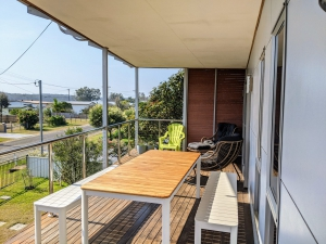 Magnificent 4 bed, fenced, pet friendly holiday home, sleeps 8 in Lake Conjola NSW