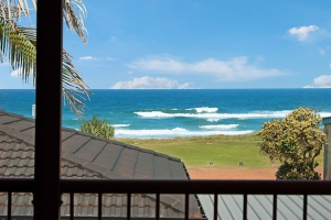 Enchanting 4 bed, fenced, pet friendly holiday apartment / townhouse / unit, sleeps 6 in Lennox Head NSW
