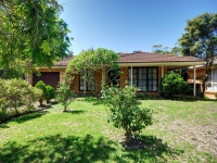 Blissful 5 bed pet friendly holiday home, sleeps 8 in Hawks Nest NSW