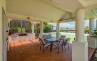 6 bed, fenced, pet friendly holiday home, sleeps 6 in Yamba NSW