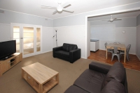 Your retreat for rest and relation, 4 bed, fenced, pet friendly holiday home, sleeps 7 in Tuncurry NSW