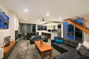 Exclusive 8 bed, fenced, pet friendly holiday home, sleeps 12 in Kingscliff NSW