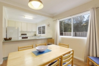 Comfortable 3 bed, fenced, pet friendly holiday acreage, sleeps 6 in Forster NSW