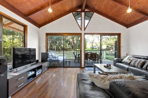 Idyllic 4 bed pet friendly holiday home, sleeps 6 in Byron Bay NSW