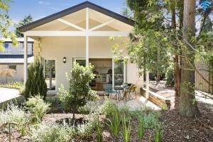 Wonderful 1 bed pet friendly holiday annex, sleeps 4 in Burradoo NSW
