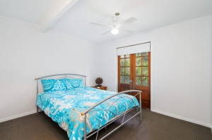 Picturesque 5 bed, fenced, pet friendly holiday home, sleeps 8 in Bonny Hills NSW