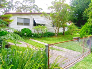 Idyllic: 4 bed, fenced, sleeps 10 in Callala Bay NSW
