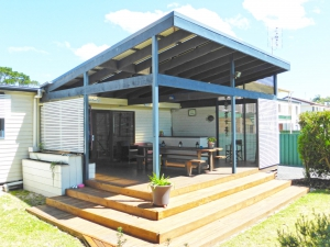 Vast: 4 bed sleeps 10 in Callala Beach NSW