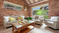 Relaxation awaits: 3 bed, fenced, pet friendly holiday home, sleeps 6 in Kiama NSW