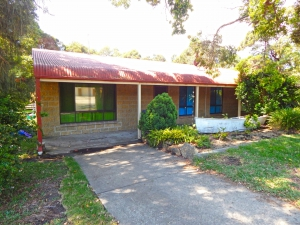 Holiday Hideaway: 5 bed, fenced, sleeps 8 in Callala Bay NSW