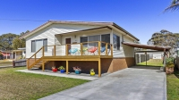 Awesome 3 bed, fenced, pet friendly holiday home, sleeps 5 in Culburra Beach NSW