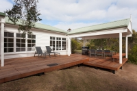 Heavenly 8 bed pet friendly holiday home, sleeps 10 in SORRENTO VIC
