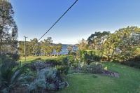 Modest 1 bed pet friendly holiday home, sleeps 2 in Wangi Wangi NSW