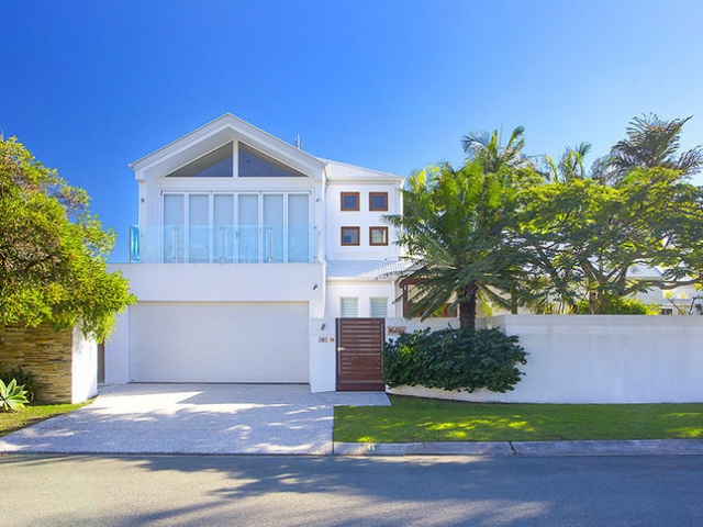 3 Bedroom Holiday Home in Noosa Sound