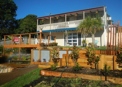 3 bed pet friendly holiday unit, sleeps 5 in Fingal Bay NSW