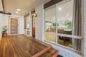 Ideal 5 bed, fenced, pet friendly holiday home, sleeps 8 in Cabarita Beach NSW