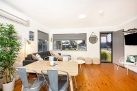 Classic 3 bed, fenced, pet friendly holiday home, sleeps 5 in Culburra Beach NSW