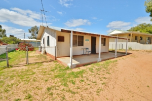 Heavenly Retreat: 5 bed, fenced, sleeps 8 in Kalbarri WA